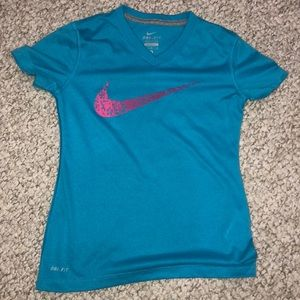 Girls Nike Shirt
